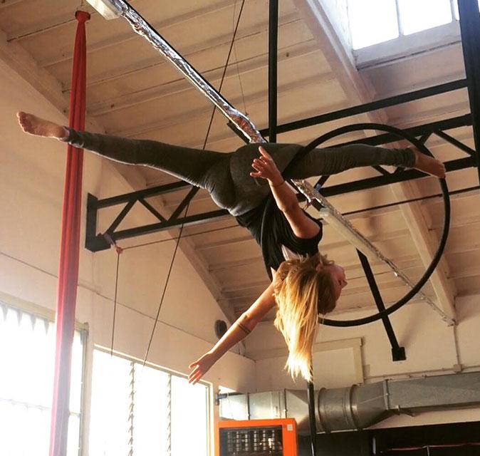 Acrobatica - Flexibility